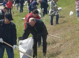 Сотрудники Сбербанка провели экологическую акцию «Чистые берега»