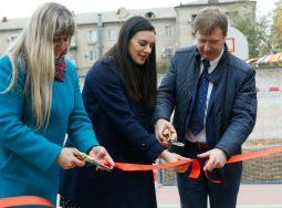 Елена Исинбаева и Система Coca-Cola в России подарили новую спортивную площадку