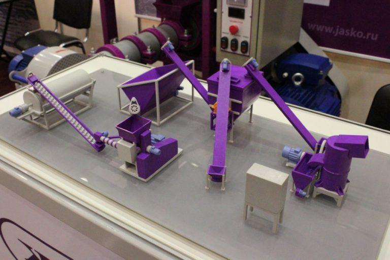 Макет оборудования для изготовления корма