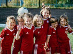 Волгоградских девочек начнут бесплатно готовить в футболисты